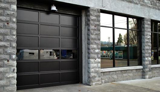 عکس مدل های درب چوبی و فلزی پارکینگ منزل